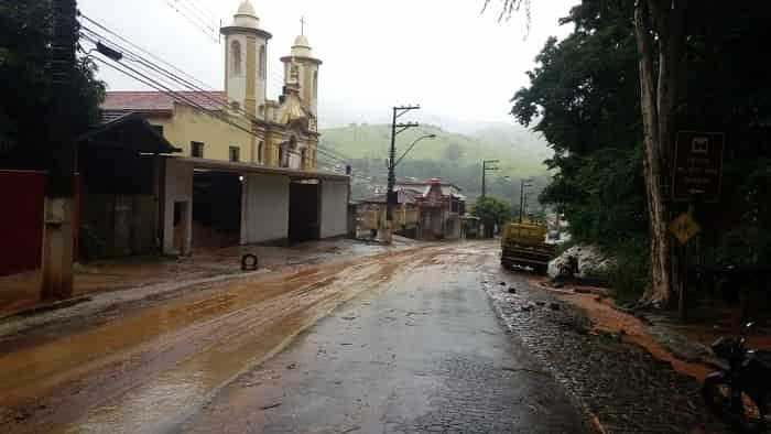 chuva-causa-estragos-em-alguns-locais-de-natividade