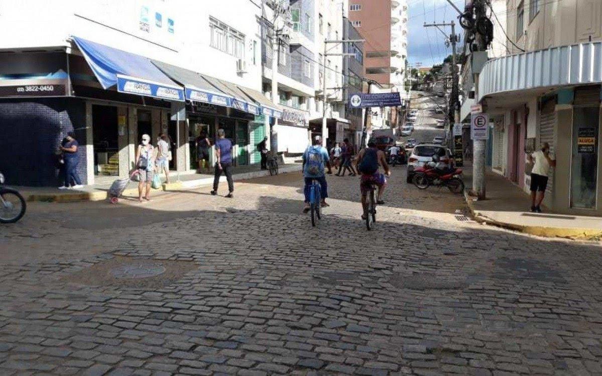 itaperuna-suspensa-a-cobranca-de-estacionamento-rotativo-em-algumas-ruas-no-centro