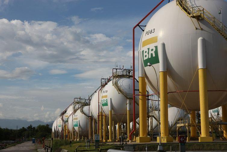 petrobras-anuncia-6-reajuste-no-ano-alta-de-8-8-na-gasolina-e-5-5-no-diesel